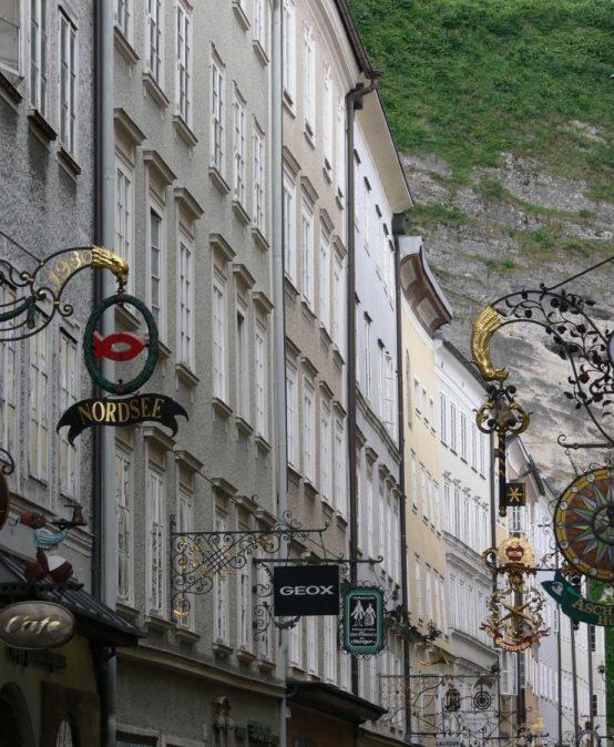 Die Salzburger Altstadt – Verkaufslokale und Gastronomie in den Bürgerhäusern einst und jetzt